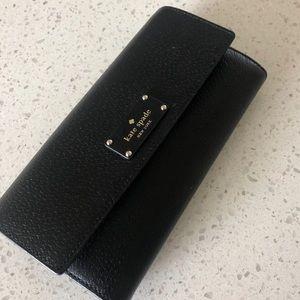 Kate Spade Wallet Black - like new